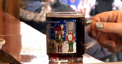 Glühwein, Tasse, Weihnachstmarkt, © baden.fm