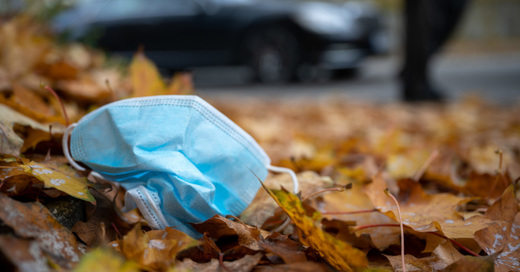 Mund-Nasen-Schutz, OP-Maske, Mundschutz, Abfall, Müll, © Sebastian Gollnow - dpa (Symbolbild)