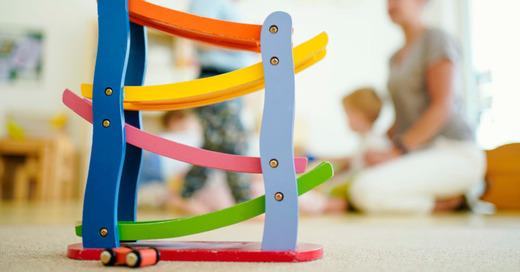 Kita, Kindertagesstätte, Erziehung, Kleinkindbetreuung, Familie, Erzieher, © Uwe Anspach - dpa (Symbolbild)