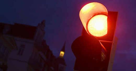 Ampel, Rotphase, Verkehr, Stopp, © Stefan Sauer - dpa-Zentralbild / dpa