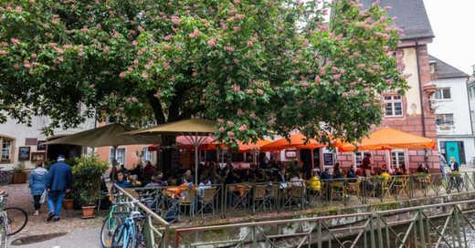 Freiburg, Insel, Gastronomie, Sichelschmiede, Gewerbekanal, © Philipp von Ditfurth - dpa