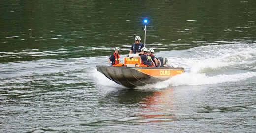 DLRG, Deutsche Lebensrettungsgesellschaft, Rettungsboot, Rhein, Fluss, Rettungsschwimmer, © Pixabay (Symbolbild)