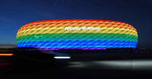 München, Allianz Arena, Regenbogenfarben, Toleranz, Vielfalt, © Tobias Hase - dpa