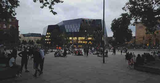 Platz der Alten Synagoge, Freiburg, Innenstadt, Altstadt, Dämmerung, Abend, Nacht, © baden.fm