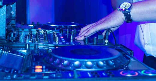 DJ, Diskothek, Club, Party, Feiern, Nachtleben, Musik, © Pixabay (Symbolbild)