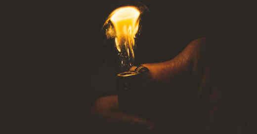 Feuerzeug, Brandstifter, Brandstiftung, Rauchen, Flamme, Licht, © Pixabay (Symbolbild)