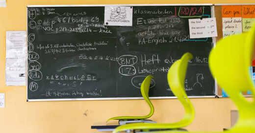 Schule, Tafel, Unterricht, Schüler, Klassenzimmer, Ferien, Realschule, Heitersheim, © Philipp von Ditfurth - dpa (Symbolbild)