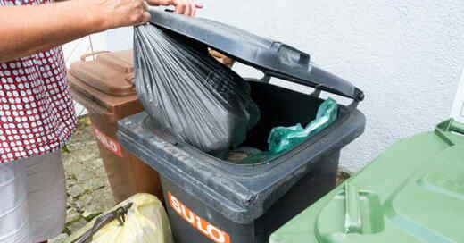 Restmüll, Müll, Abfall, Müllabfuhr, Graue Tonne, © Bernd Weißbrod - dpa (Symbolbild)