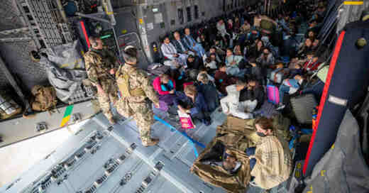 Bundeswehr, Luftwaffe, Transportflugzeug, Afghanistan, Rettungseinsatz, Flüchtlinge,, © Marc Tessensohn - Bundeswehr / dpa