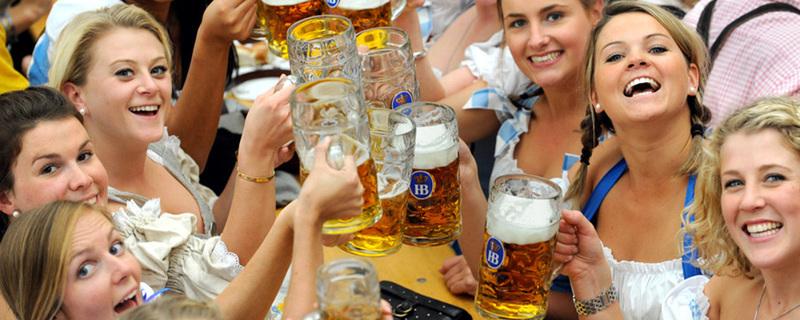 Festzelt, Wiesn, Oktoberfest, Bier, © Andreas Gebert - dpa
