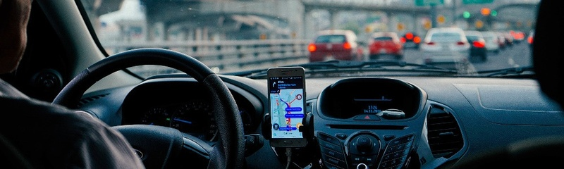 Smartphone, Auto, Steuer, Verkehr, © Pixabay (Symbolbild)