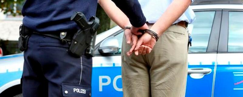 Polizei, Festnahme, Handschellen, © Polizeipressestelle Rhein-Erft-Kreis