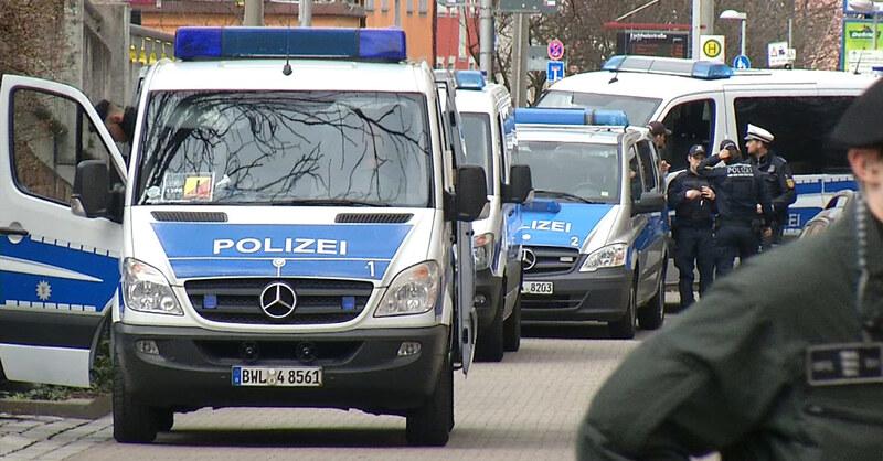 Polizeiaufgebot bei der Absperrung zur Bombenentschärfung, © baden.fm