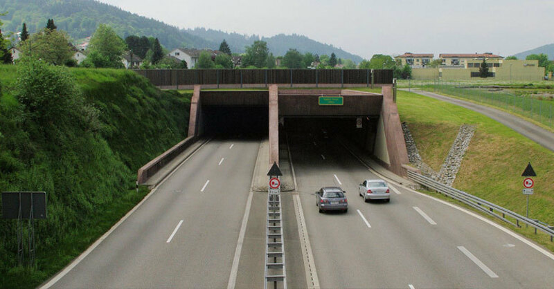 Kapller Tunnel, B31,, © Von user:Joergens.mi - Eigenes Werk, CC BY-SA 3.0, https://commons.wikimedia.org/w/index.php?curid=6739352