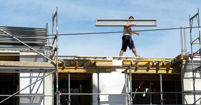 Baustelle, Bauarbeiter, © Arno Burgi - dpa