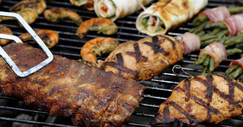 Grill, Fleisch, Barbecue, © Daniel Maurer - dpa
