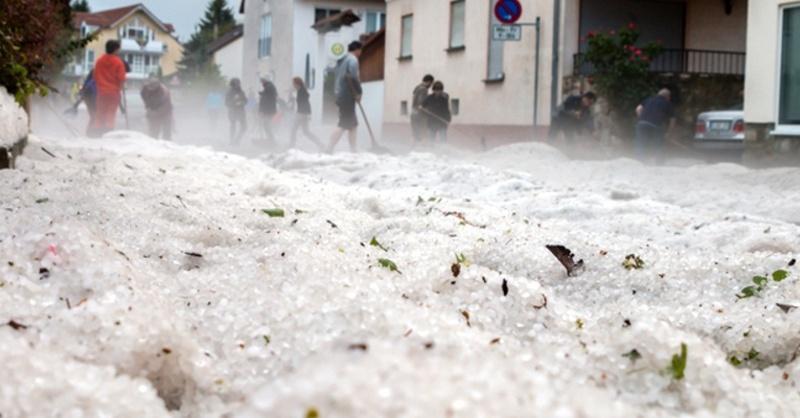 Hagel, Körner, Unwetter, © Dennis Altenhofen - Wiesbaden 112 / dpa