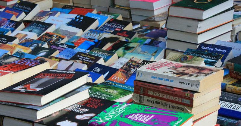 © Buch, Buchhandlung, lesen
