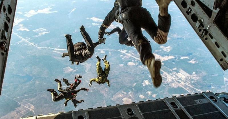 Fallschirmspringer, Extremsport, © Pixabay