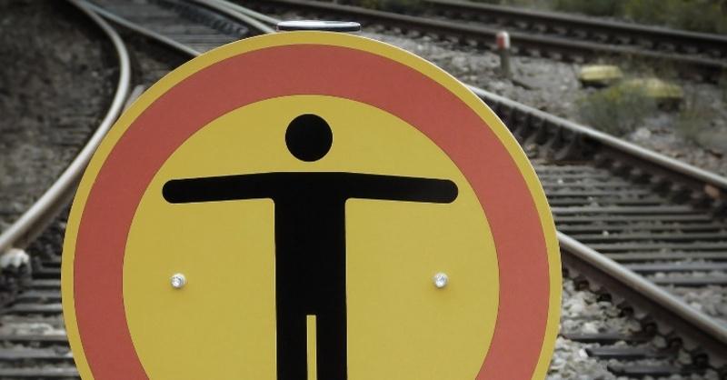 Bahngleise, Bahnhof, © Pixabay