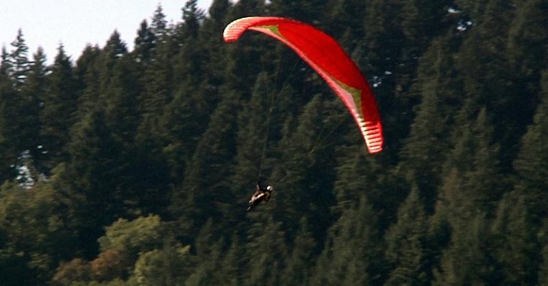 Gleitschirmflieger, Fallschirmspringer, Extremsport, © baden.fm