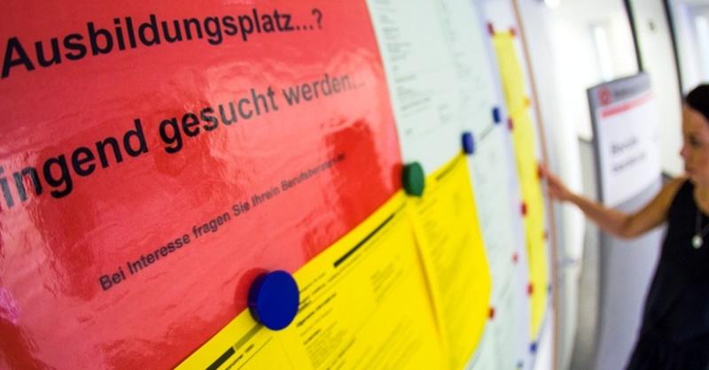 Ausbildung, Azubi, Lehrstellen, Fachkräftemangel, © Christoph Schmidt - dpa