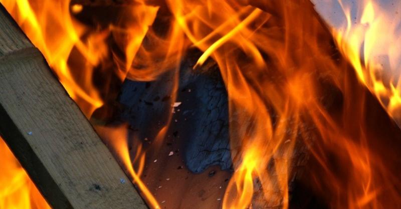 Holz, Brand, Feuer, © Pixabay