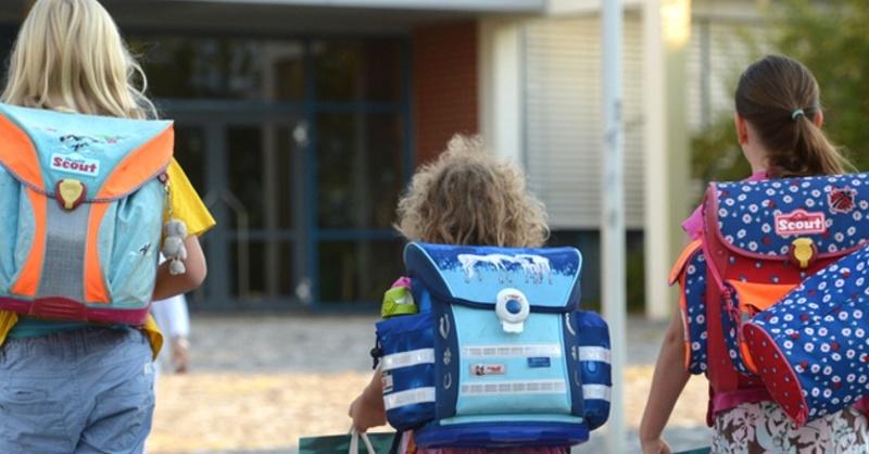 Schulweg, Schulranzen, Kinder, © Patrick Seeger - dpa