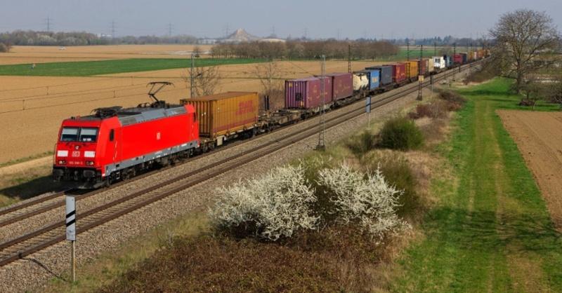 Rheintalbahn, Güterzug, © Georg Wagner - Deutsche Bahn AG