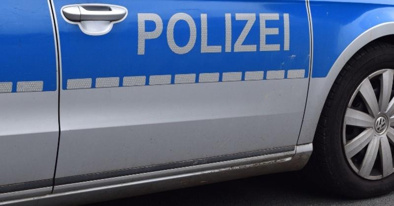 Polizei, Streifenwagen, Symbolbild, Einsatzwagen, Schriftzug, © pixabay (Symbolbild)