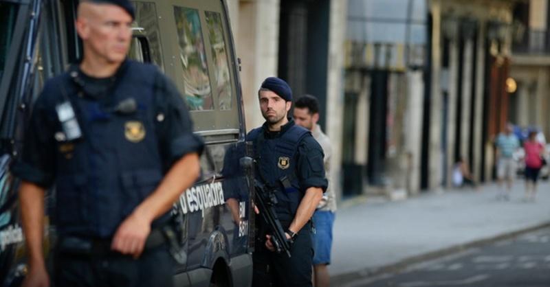 Terror, Policia, Barcelona, © Manu Fernandez - AP / dpa