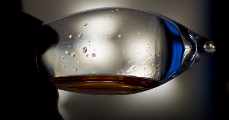 Alkohol, Schnaps, Wein, Glas, © Daniel Naupold - dpa (Symbolbild)