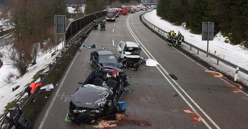 B31 bei Neustadt 2 Tote bei Unfall in Schwarzwald