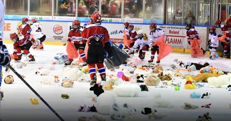EHC Freiburg, Teddy Bear Toss, Eishockey, © Achim Keller / EHC Freiburg