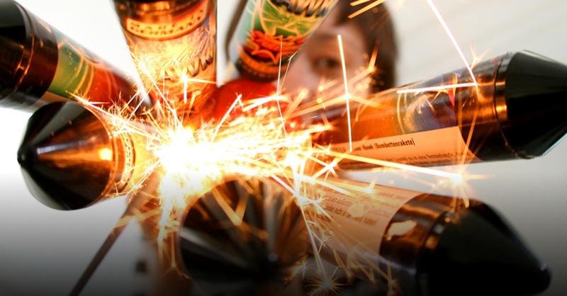 Raketen, Feuerwerk, Silvester, © Roland Weihnrauch - dpa (Symbolbild)