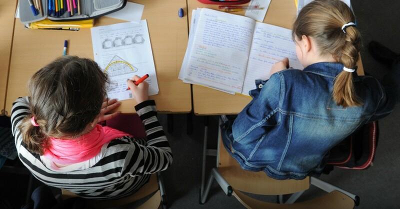 Schüler, Schule, Unterricht, Lernen, © Daniel Bockwoldt - dpa (Symbolbild)