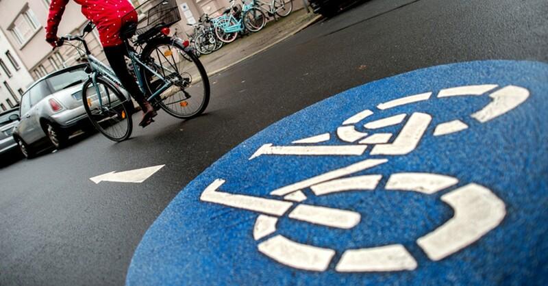 Fahrrad, Fahrspur, Radler, © Hauke-Christian Dittrich - dpa (Symbolbild)