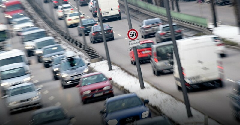 Stau, Verkehr, Fahrverbot, © Matthias Balk - dpa (Symbolbild)