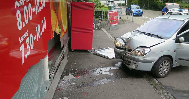 Schaufenster, Unfall, Binningen, Supermarkt, © Kantonspolizei Basel-Landschaft