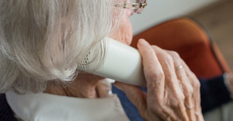 Telefon, Rentnerin, Seniorin, © Pixabay (Symbolbild)