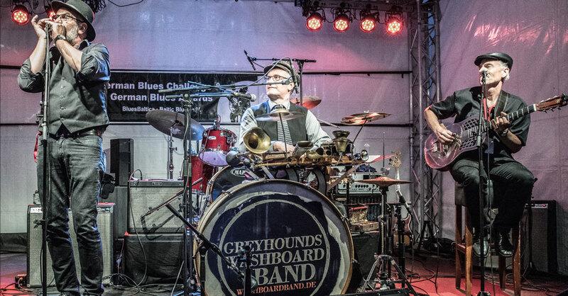 © Greyhound's Washboard Band