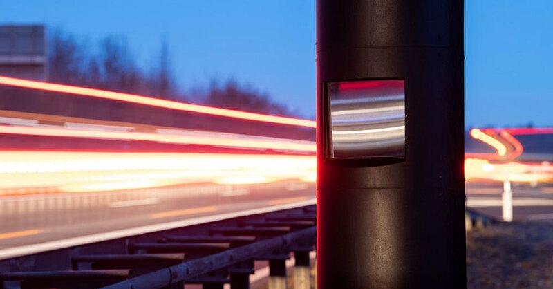 Radarfalle, Blitzer, Tempokontrolle, Verkehr, © Sebastian Gollnow - dpa (Symbolbild)