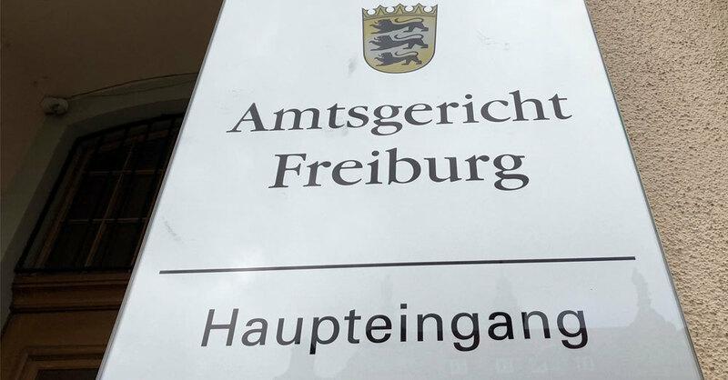 Schild, Amtsgericht Freiburg, Haupteingang, © baden.fm (Symbolbild)