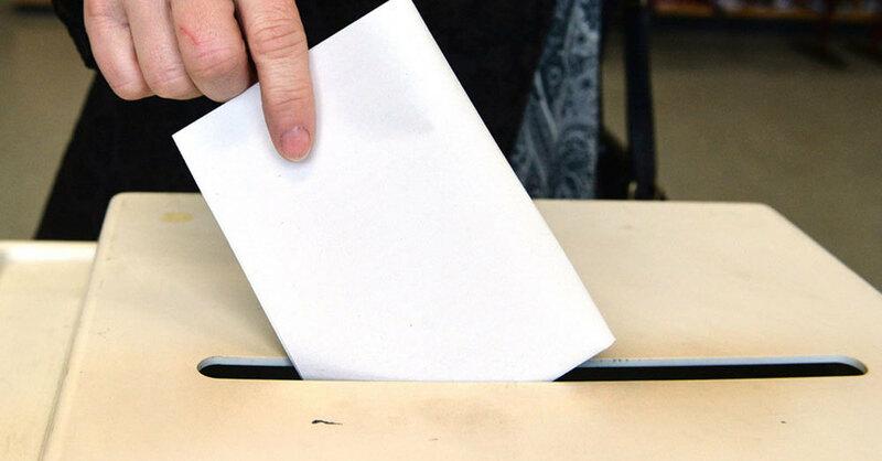 Wahlurne, Abstimmung, Wahl, © Thomas Kienzle - dpa (Symbolbild)