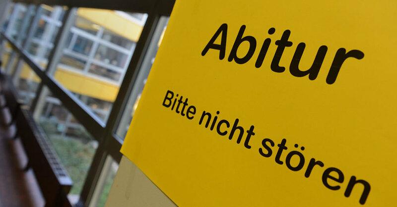 Abitur, Prüfung, Abi, Schule, © Felix Käslte - dpa (Symbolbild)