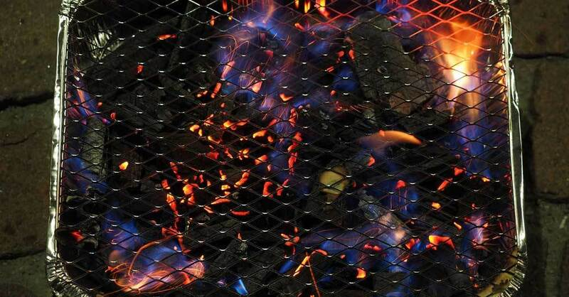 Einweggrill, Grillen, Grill, Holzkohle, © Pixabay (Symbolbild)