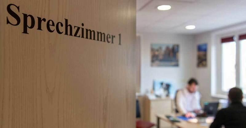 Arzt, Hausarzt, Sprechstunde, Sprechzimmer, Medizin, Gesundheit, © Monika Skolimowska - ZB / dpa (Symbolbild)