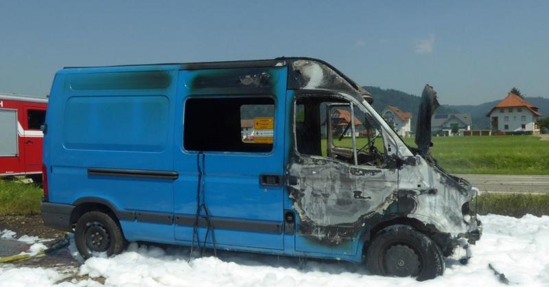 Transporter, ausgebrannt, Feuer, , © © Polizei
