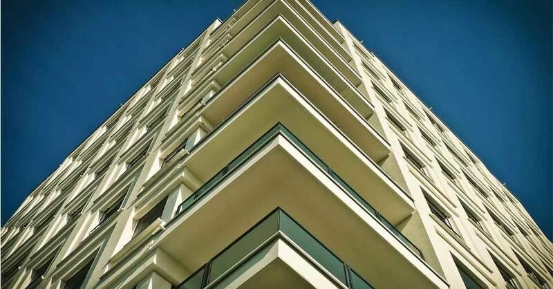 Hochhaus, Balkon, Wohnung, Wohnbau, Wohnen, © Pixabay (Symbolbild)