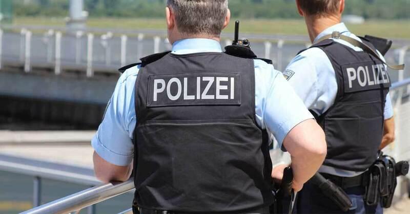 Polizei, Schutzwesten, Polizisten, Einsatz, © Pixabay (Symbolbild)